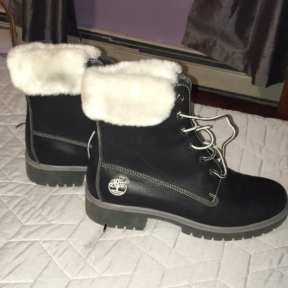 Timberland Shoes - Women s black leather timberland boots w fur 611fa7d6f